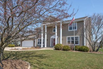 Photo of 4872 S 123rd St, Greenfield, WI 53228