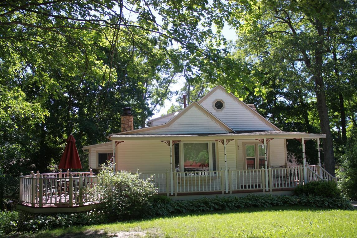 529 Oakwood Trl, Twin Lakes, WI 53181