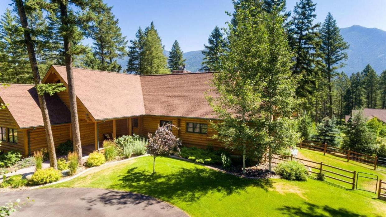 20 Wood Ridge Drive, Columbia Falls, MT 59912