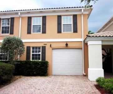 5601 Cove Cir, Naples, FL 34119