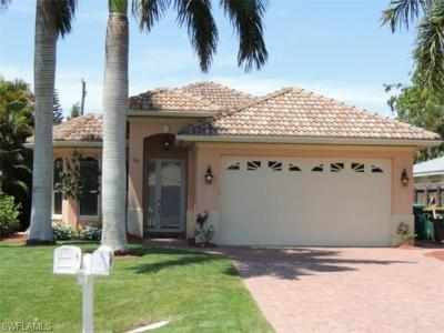 Photo of 517 104th Ave N, Naples, FL 34108