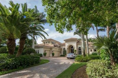 Photo of 733 Riviera Dr, Naples, Fl 34103