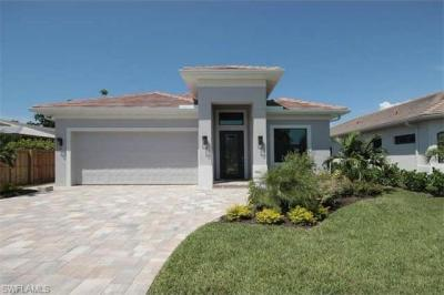 Photo of 712 108th Ave N, Naples, FL 34108