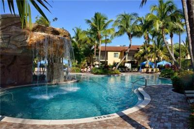 Photo of 1055 Sandpiper St, Naples, FL 34102