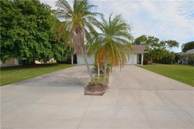 Photo of 678-682 93rd Ave N, Naples, FL 34108