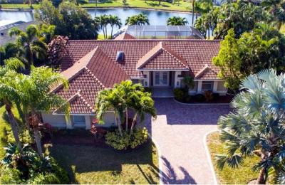 Photo of 28541 Winthrop Cir, Bonita Springs, FL 34134