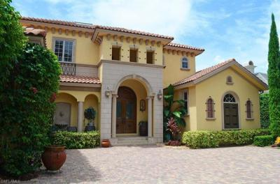 Photo of 600 Riviera Dr, Naples, FL 34103