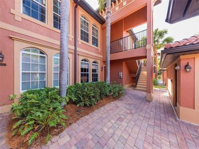Photo of 10024 Heather Ln, Naples, FL 34119