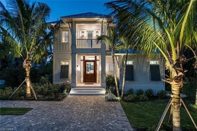 Photo of 501 14th Ave S, Naples, FL 34102