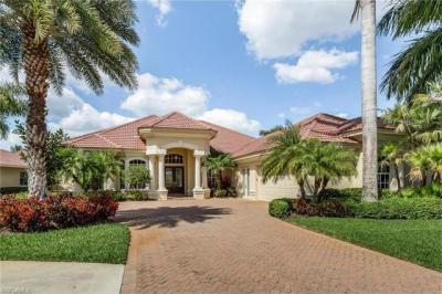 Photo of 2721 Olde Cypress Dr, Naples, FL 34119