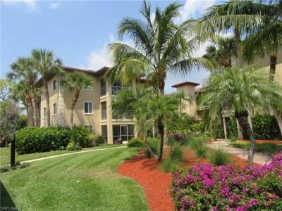 Photo of 1025 Foxfire Ln, Naples, FL 34104