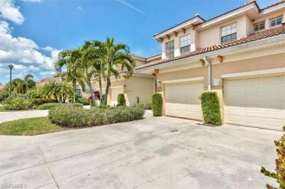 Photo of 3046 Driftwood Way, Naples, FL 34109