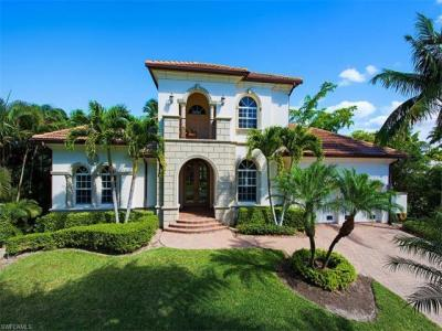 Photo of 2080 Sheepshead Dr, Naples, FL 34102