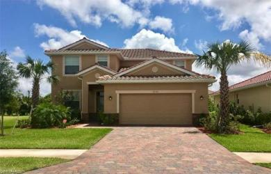 2362 Heydon Cir E, Naples, FL 34120