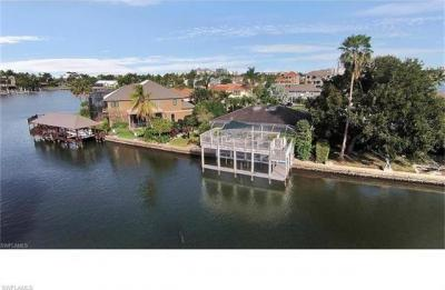 Photo of 242 Tradewinds Ave, Naples, FL 34108