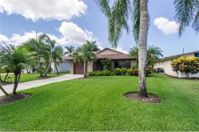 Photo of 548 105th Ave N, Naples, FL 34108