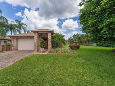 Photo of 605 109th Ave N, Naples, FL 34108