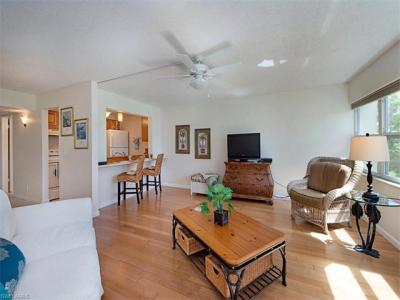 Photo of 1085 Forest Lakes Dr, Naples, FL 34105