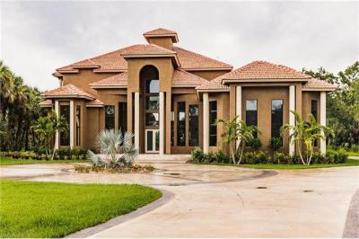 Photo of 895 24th Ave NW, Naples, FL 34120
