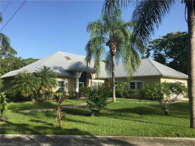 Photo of 851 E Lakeview Dr, Bonita Springs, FL 34134