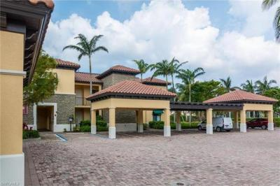 Photo of 965 Sandpiper St, Naples, FL 34102