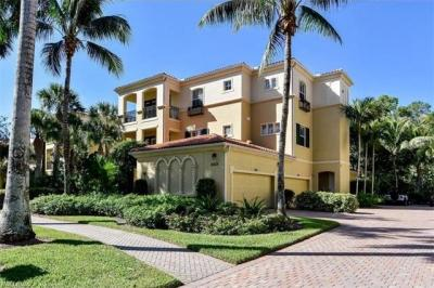 Photo of 2859 Tiburon Blvd E, Naples, FL 34109
