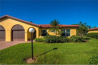 Photo of 1025 Forest Lakes Dr, Naples, FL 34105