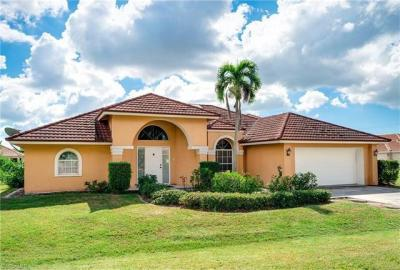 Photo of 915 Moon Lake Dr, Naples, FL 34104
