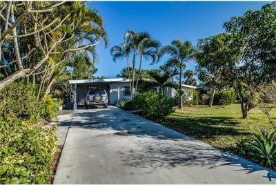 Photo of 1923 Harbor Ln, Naples, FL 34104