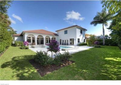 Photo of 696 Starboard Dr, Naples, FL 34103