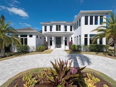 Photo of 725 Harbour Dr, Naples, FL 34103