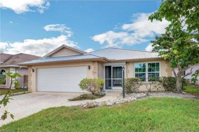 Photo of 562 110th Ave N, Naples, FL 34108