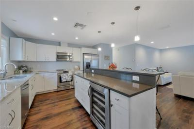 Photo of 712 92nd Ave N, Naples, FL 34108
