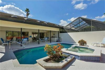 Photo of 140 Cypress View Dr, Naples, FL 34113
