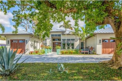 Photo of 2774 Crayton Rd, Naples, FL 34103