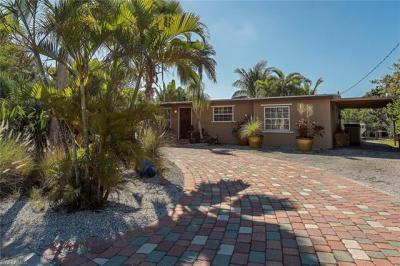 Photo of 1854 Harbor Ln, Naples, FL 34104