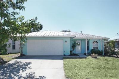 Photo of 522 110th Ave N, Naples, FL 34108