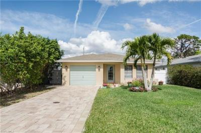 Photo of 689 97th Ave N, Naples, FL 34108