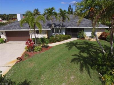 Photo of 347 Country Club Ln, Naples, FL 34110
