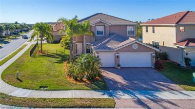 Photo of 10316 Carolina Willow Dr, Fort Myers, FL 33913
