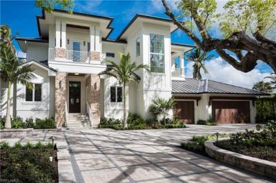 Photo of 465 18th Ave S, Naples, FL 34102
