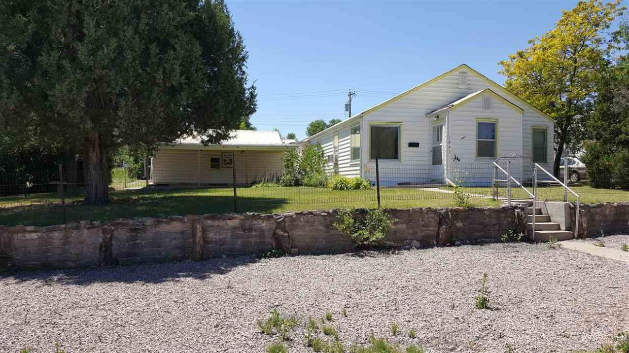 1841 Baltimore, Hot Springs, SD 57747