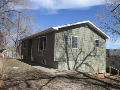 2328 Lincoln Ave., Hot Springs, SD 57747