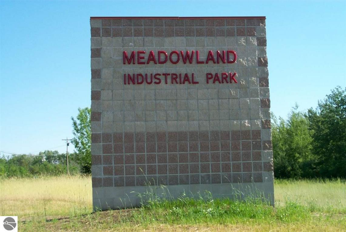 960 Industrial Circle, Traverse City, MI 49686