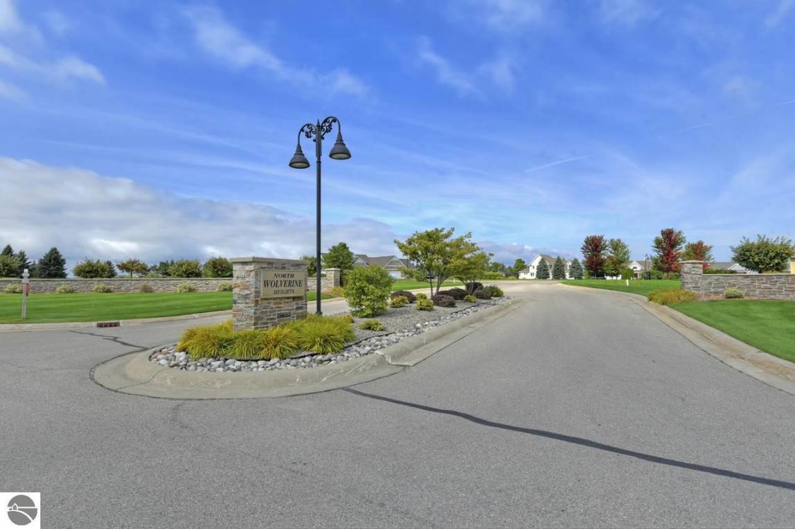 7069 Wolverine View Drive, Williamsburg, MI 49690