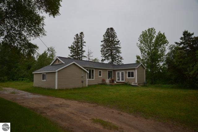 13843 O'dell Road, Kewadin, MI 49648
