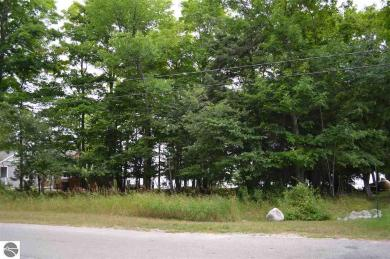 00 N Forest Beach Shores, Northport, MI 49670