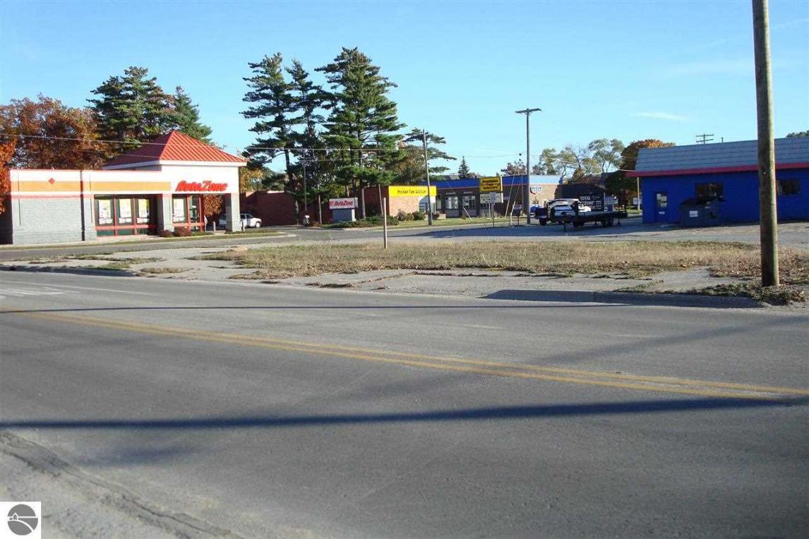 704 S Garfield, Traverse City, MI 49686