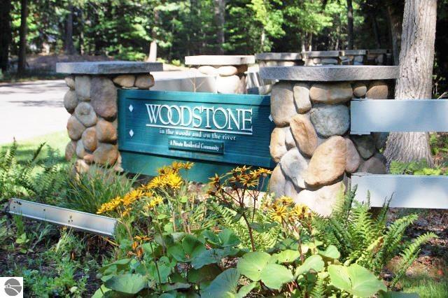 17 Pine Trace, Glen Arbor, MI 49636