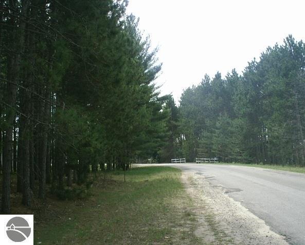 9064 Pine Circle Drive Nw, Rapid City, MI 49676